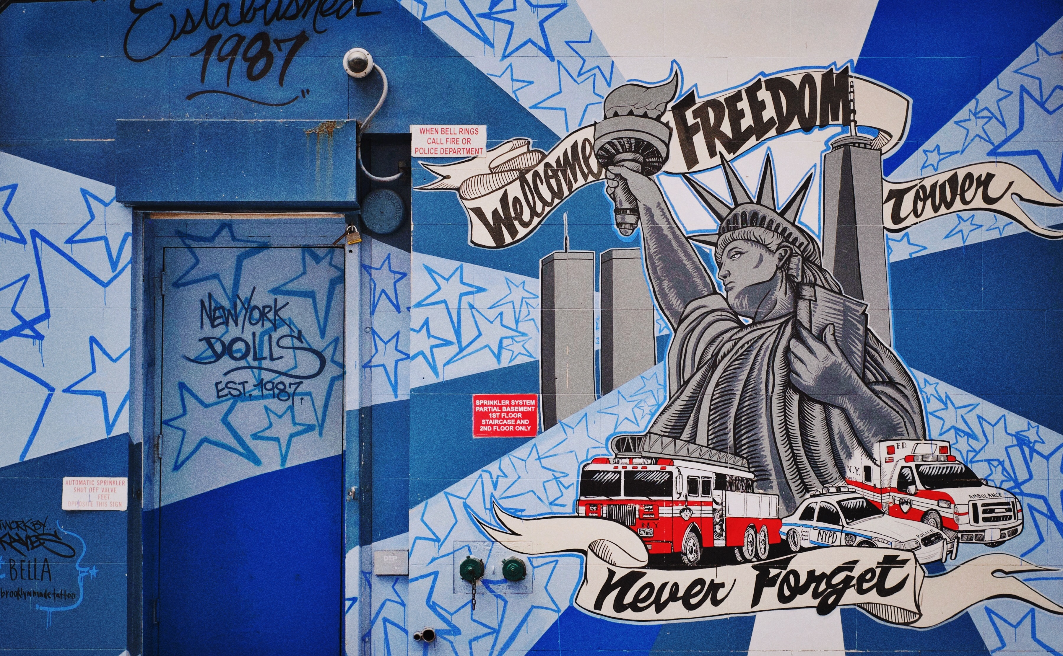 Statue of Liberty printed on blue and white wall