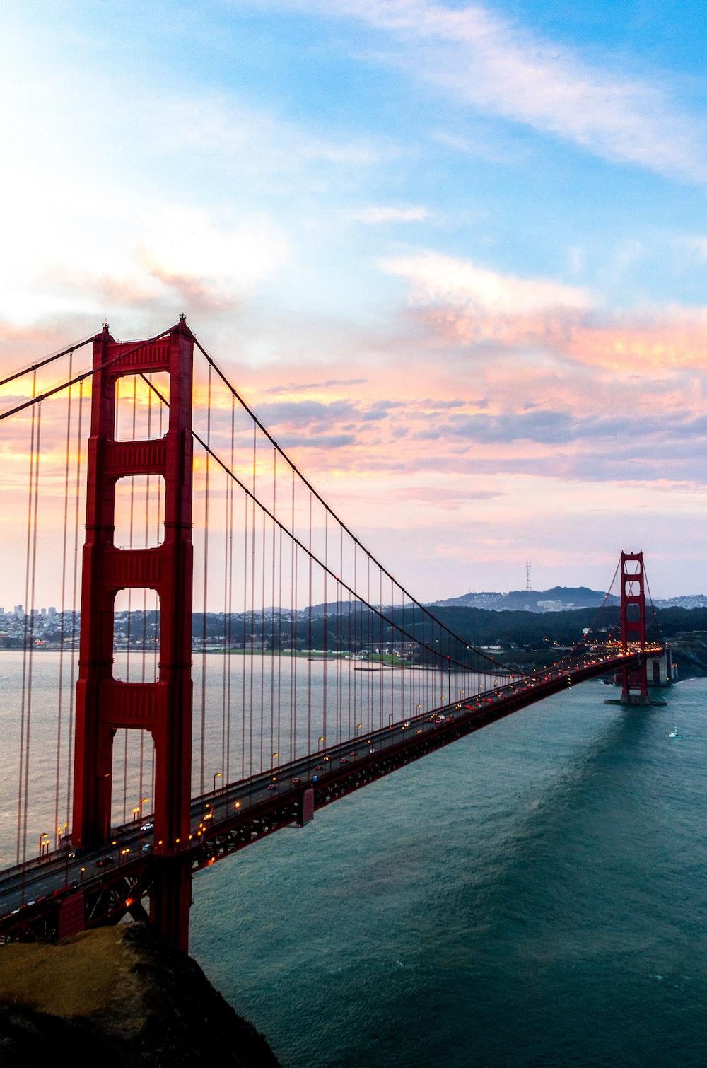 cars in Golden Gate bridge