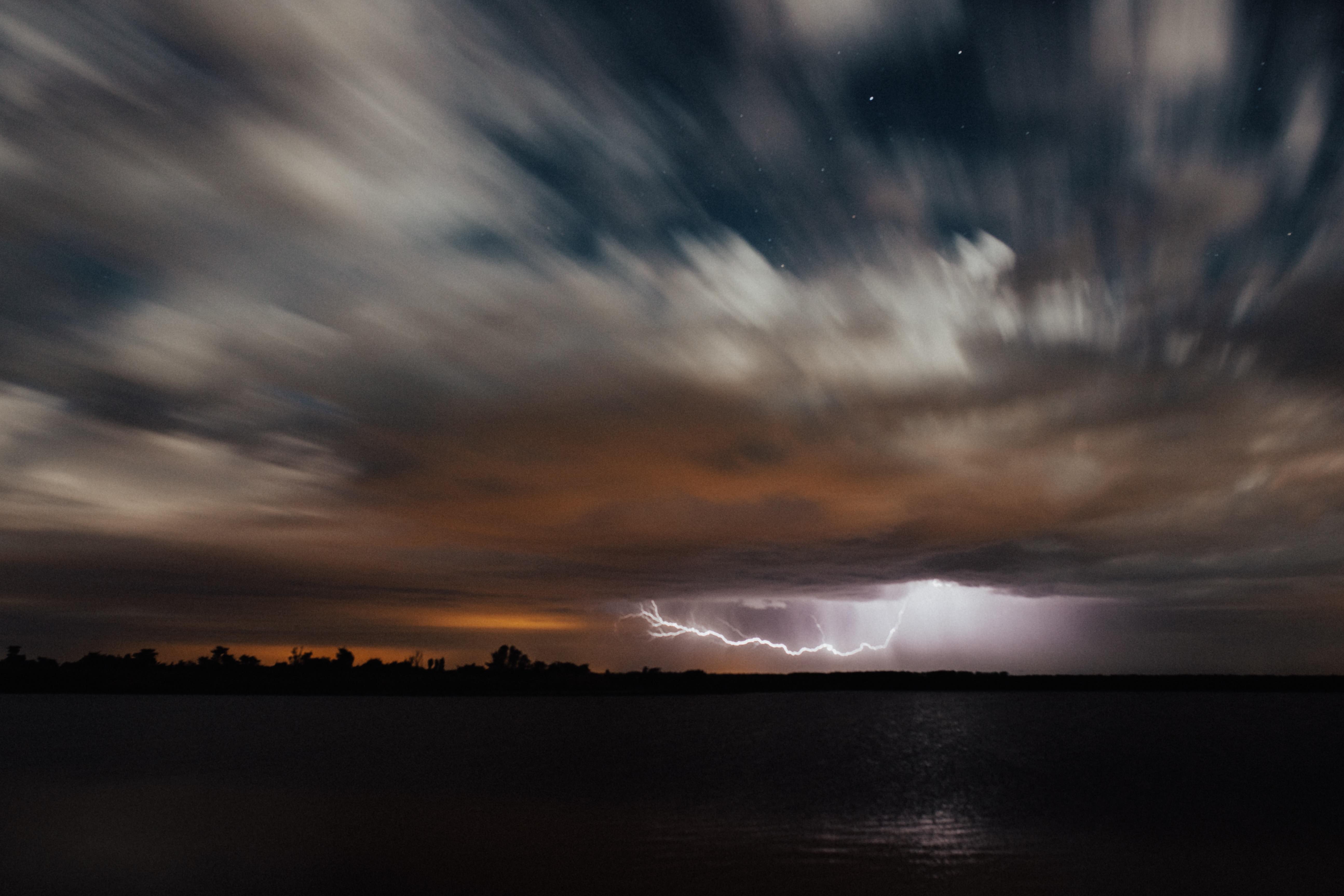 time lapsed photo of lightning during nighttime