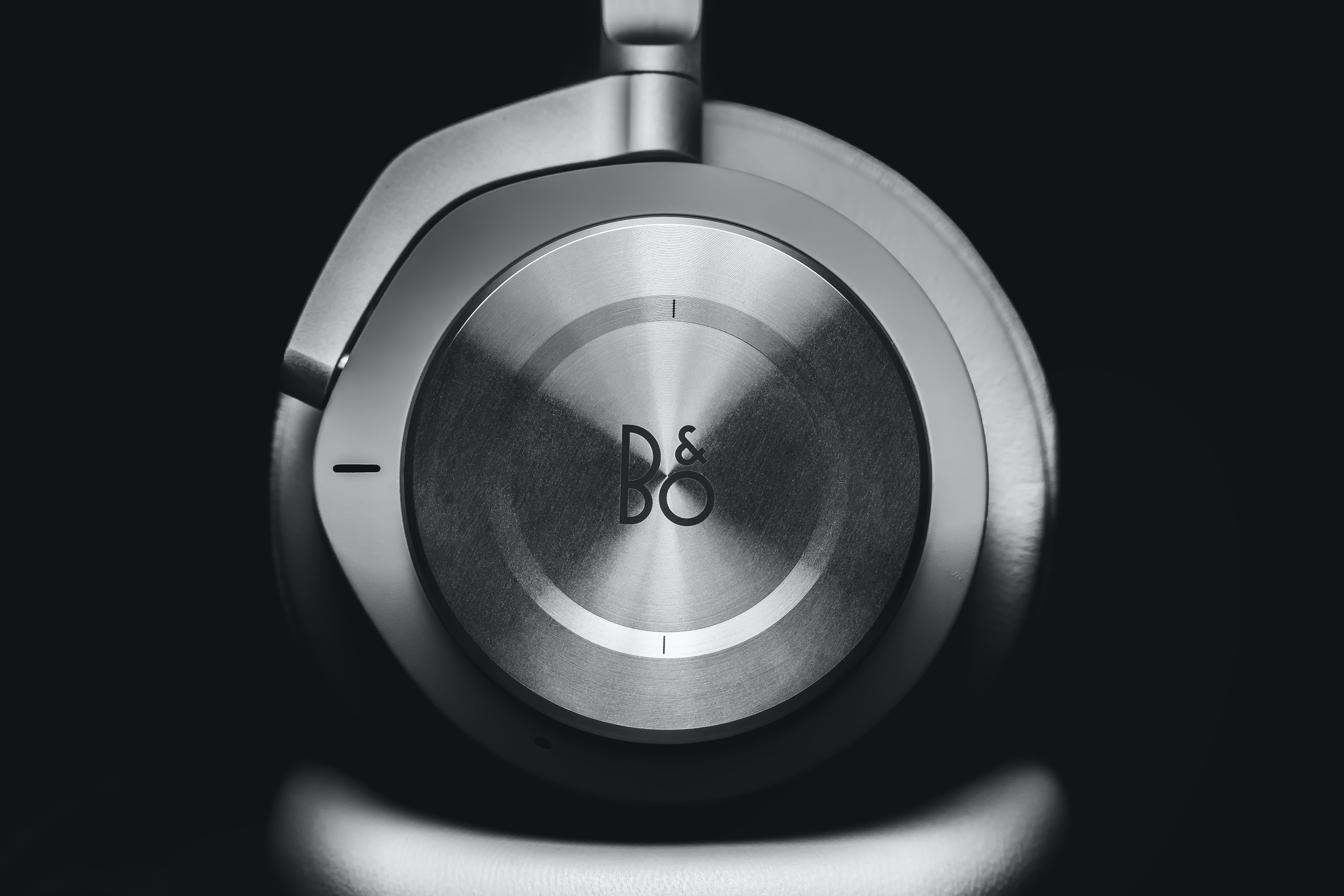 photo of gray B&O headphones