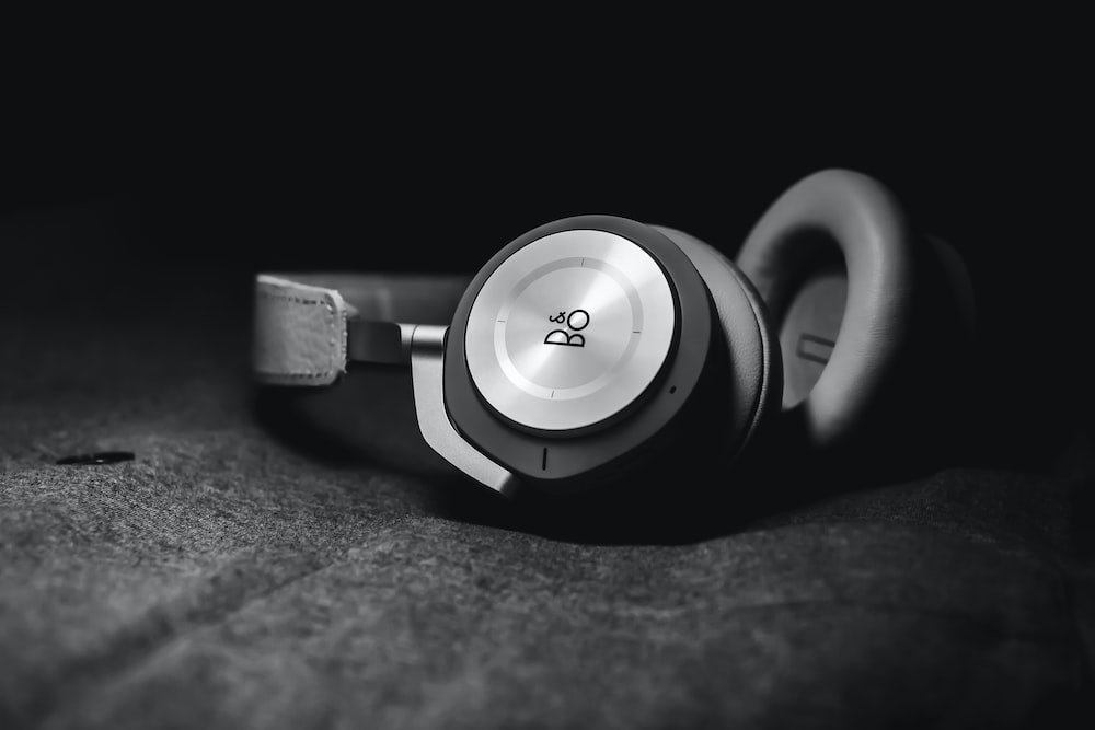 grayscale of B & Bo headset