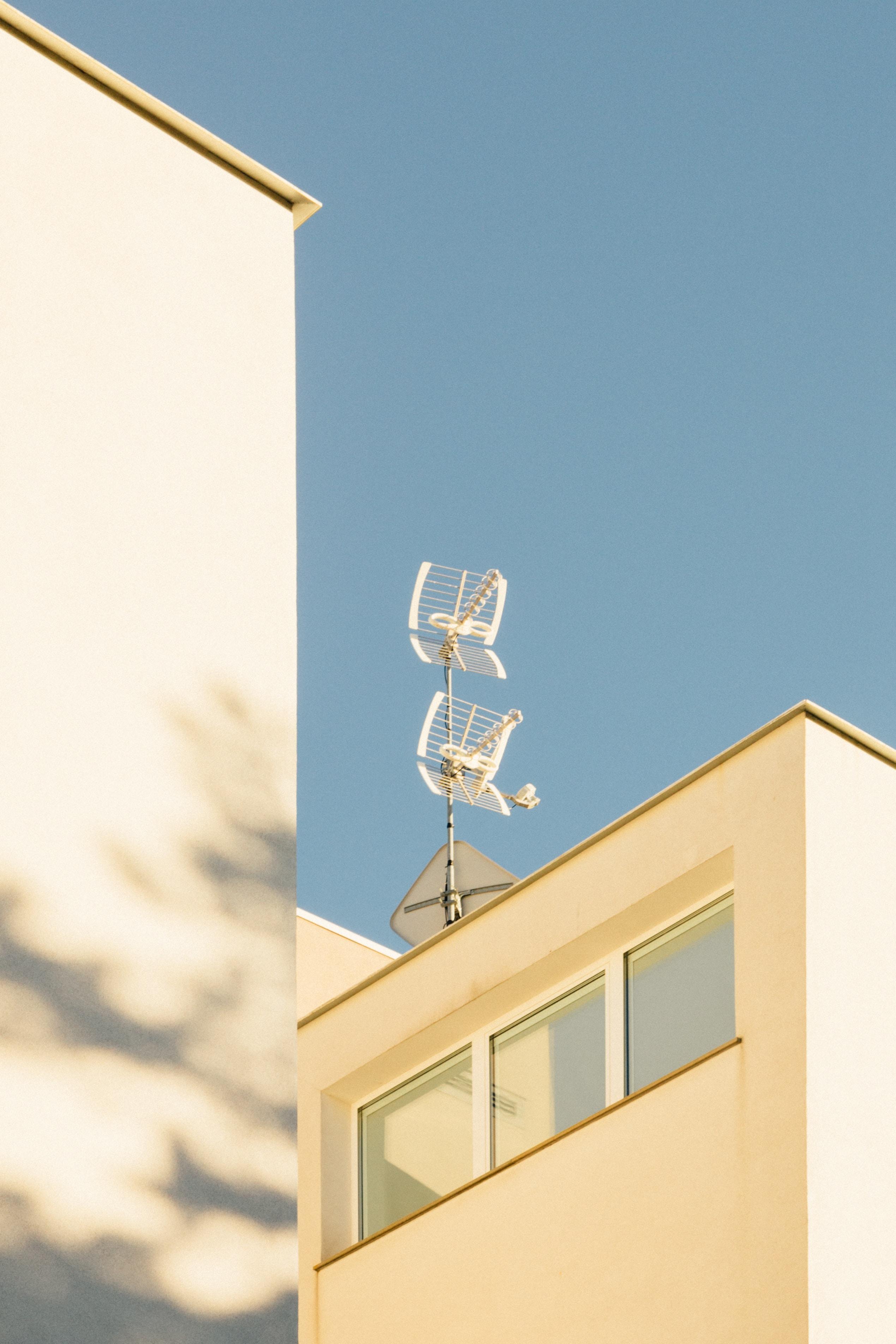 white antenna on building
