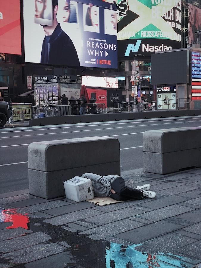 dakloze ter illustratie van outsiders op de woningmarkt