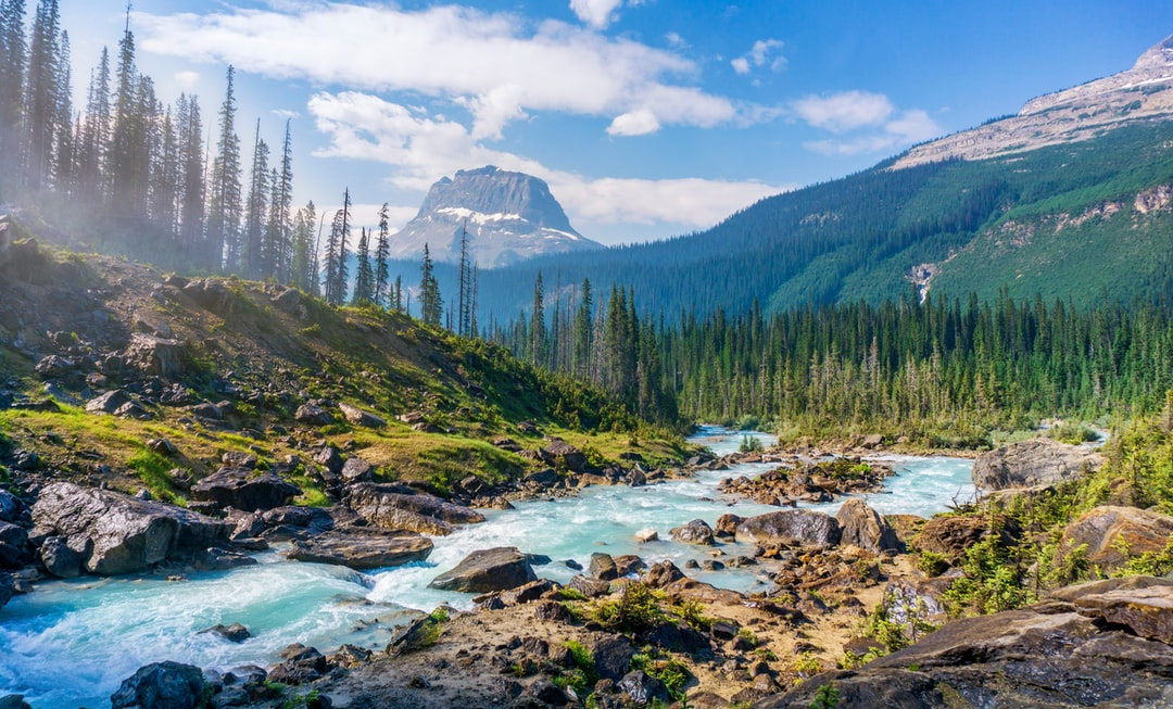 Not really lost though ;). I took this picture during a hike in Yoho National Park in the late morning.
