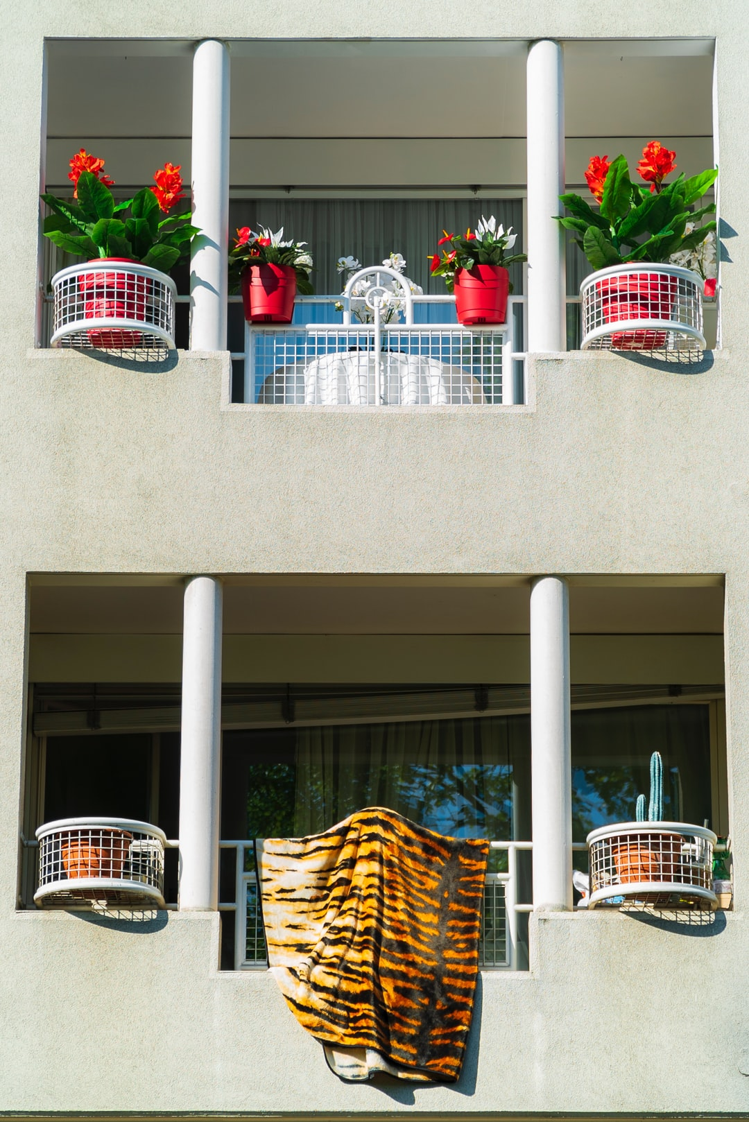 Two balconies, Two worlds