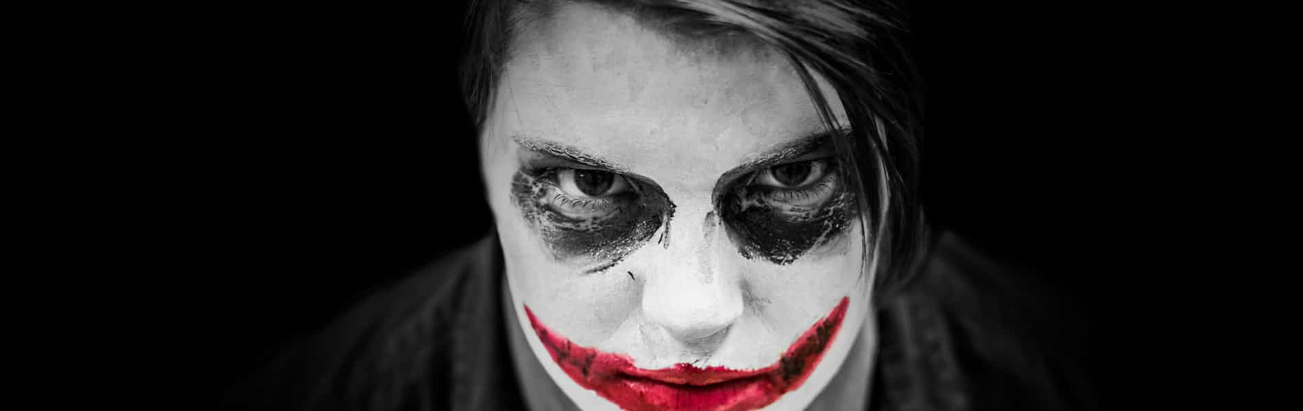 """""""מי שמביט בי מאחור לא יודע מי אני"""": ניתוח הסרט """"Joker"""""""
