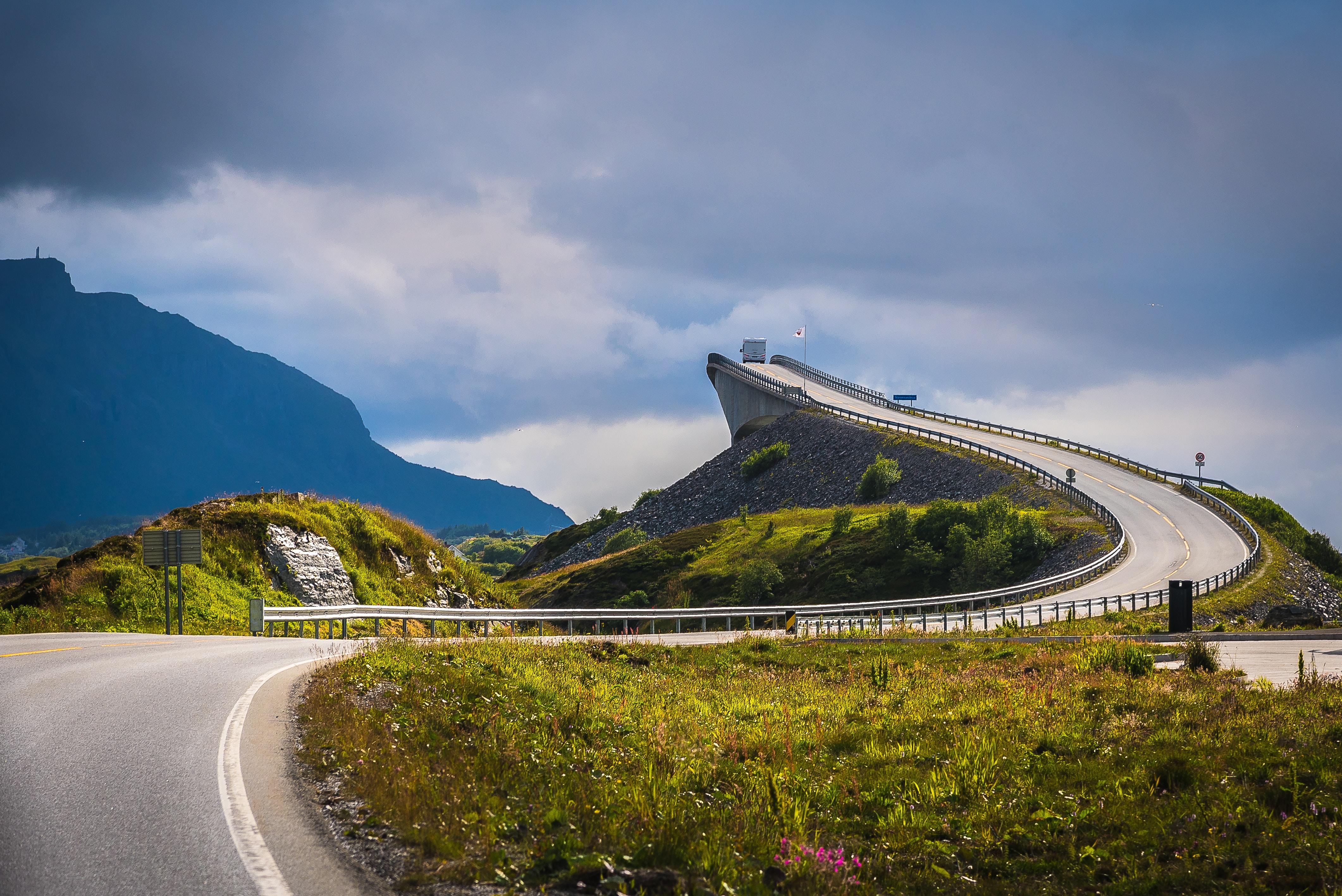 gray concrete roadway