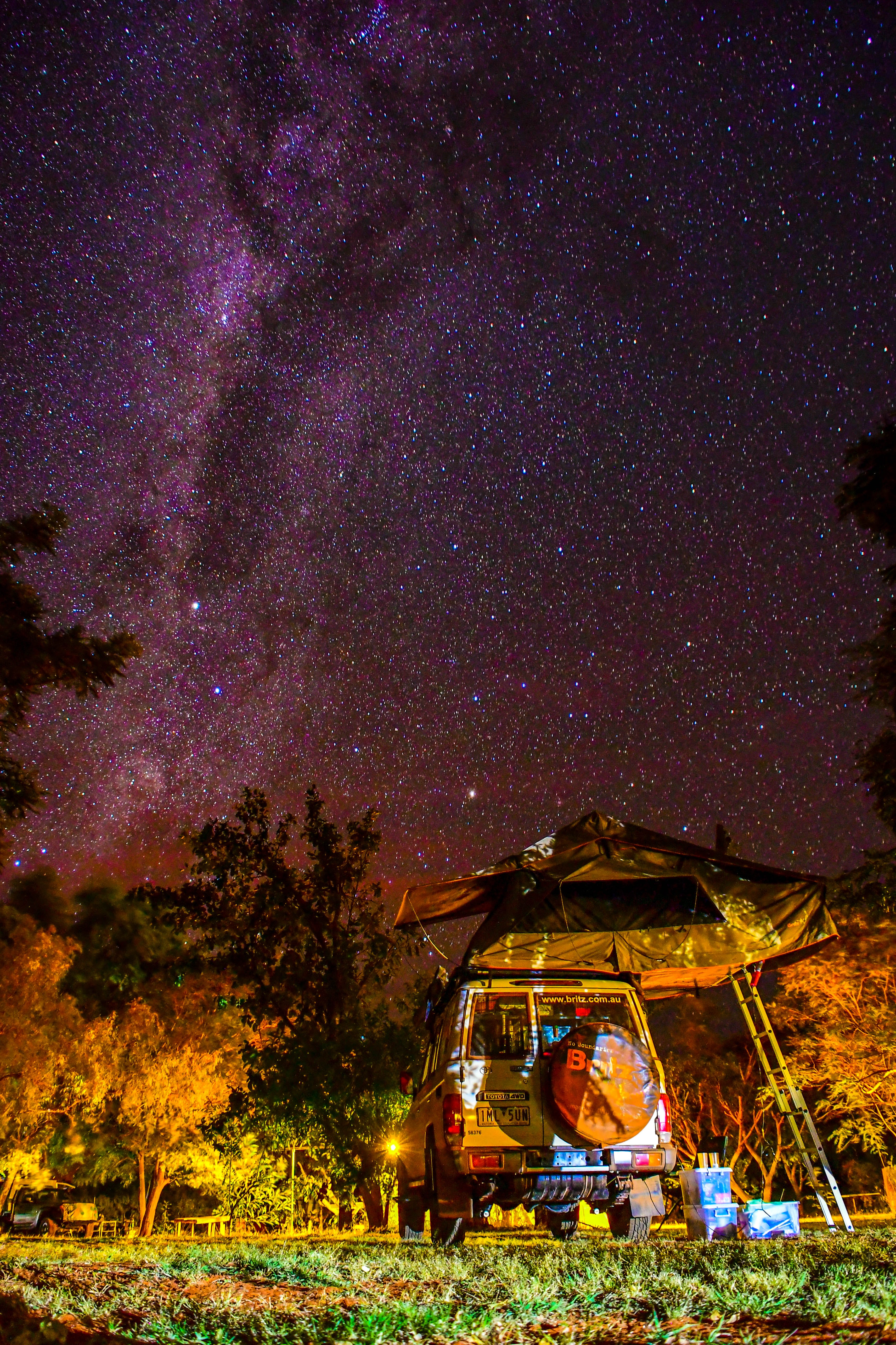 time lapse photography of milky way