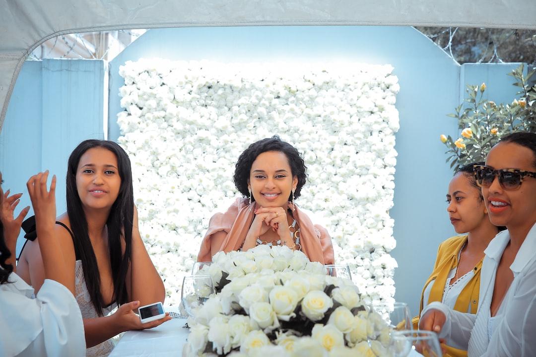 smile bride on wedding