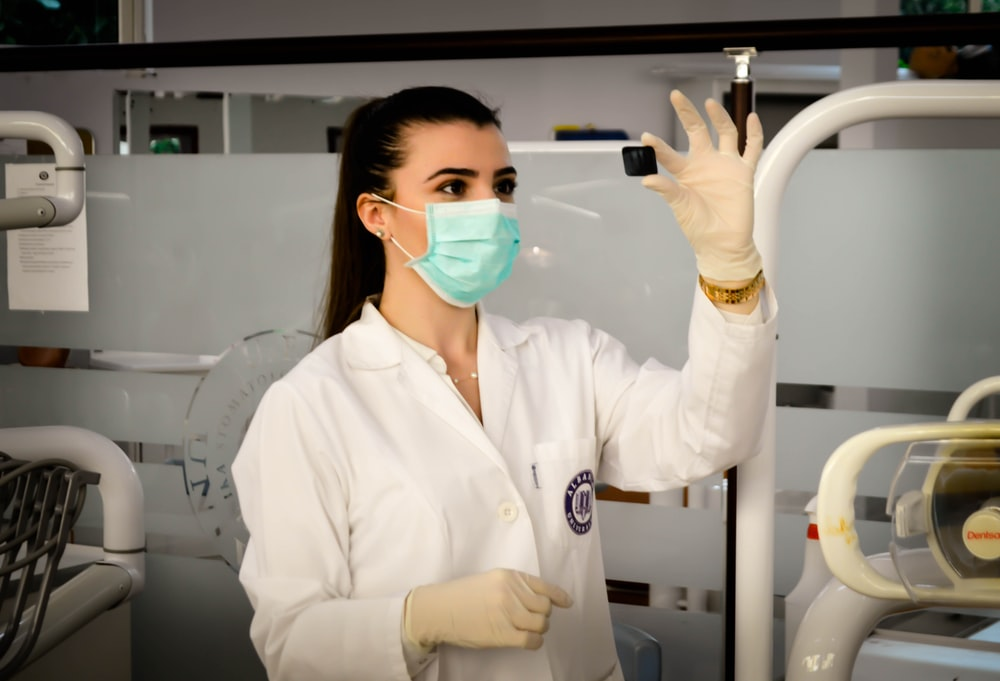 woman inside laboratory