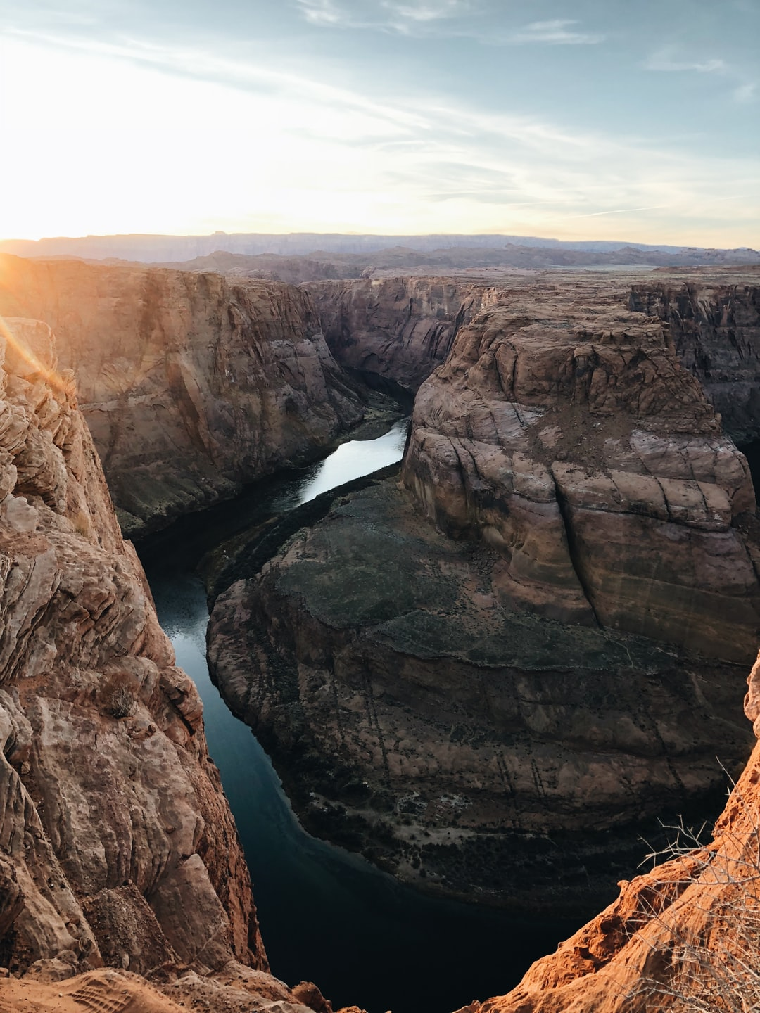 We hiked up to the famous horseshoe bend in Paige, Arizona… running, no, sprinting down to the right spot trying to make it before sundown. We had all of 3 minutes to take as many breathtaking photos as we could before it turned dark. Was the 5 hour drive for 3 minutes of this amazing view at sunset worth it? Absolutely.