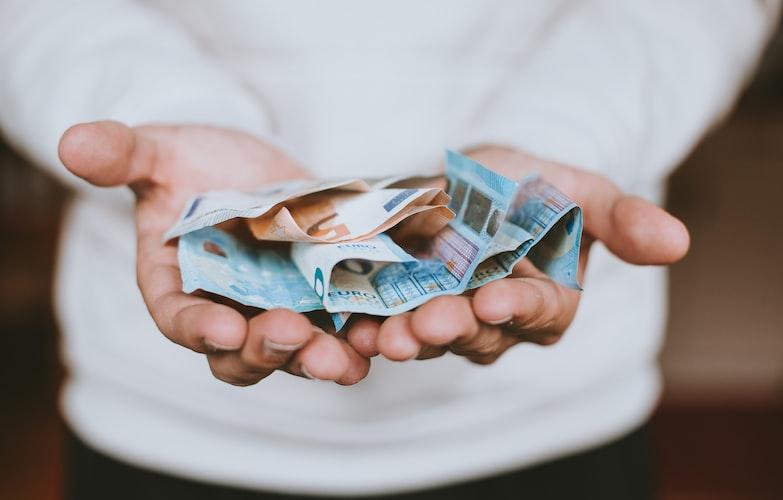 Geldzaken - geldvragen - partner - financiën - financiële vragen - praten over geld partner