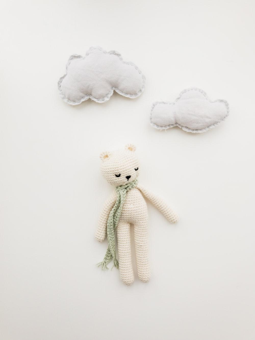 white bear amirugumi knitted doll