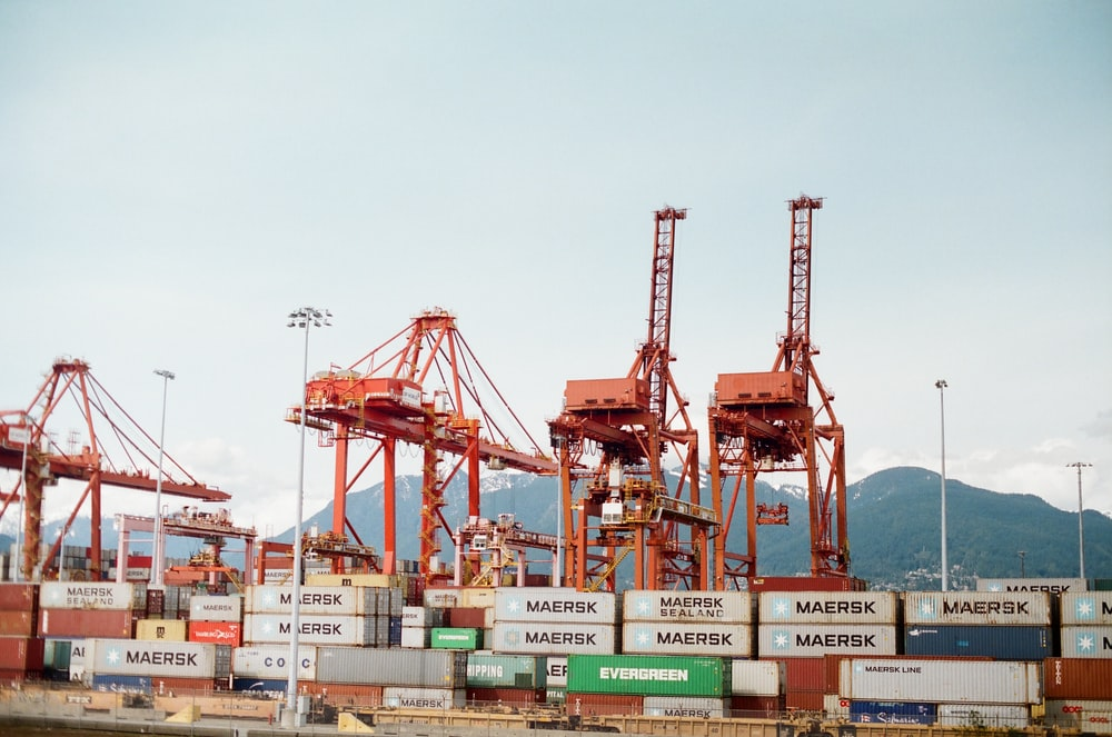 cargo port crane