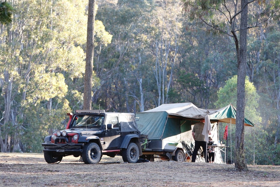 Hunty's Jeep Camping - camp trailer