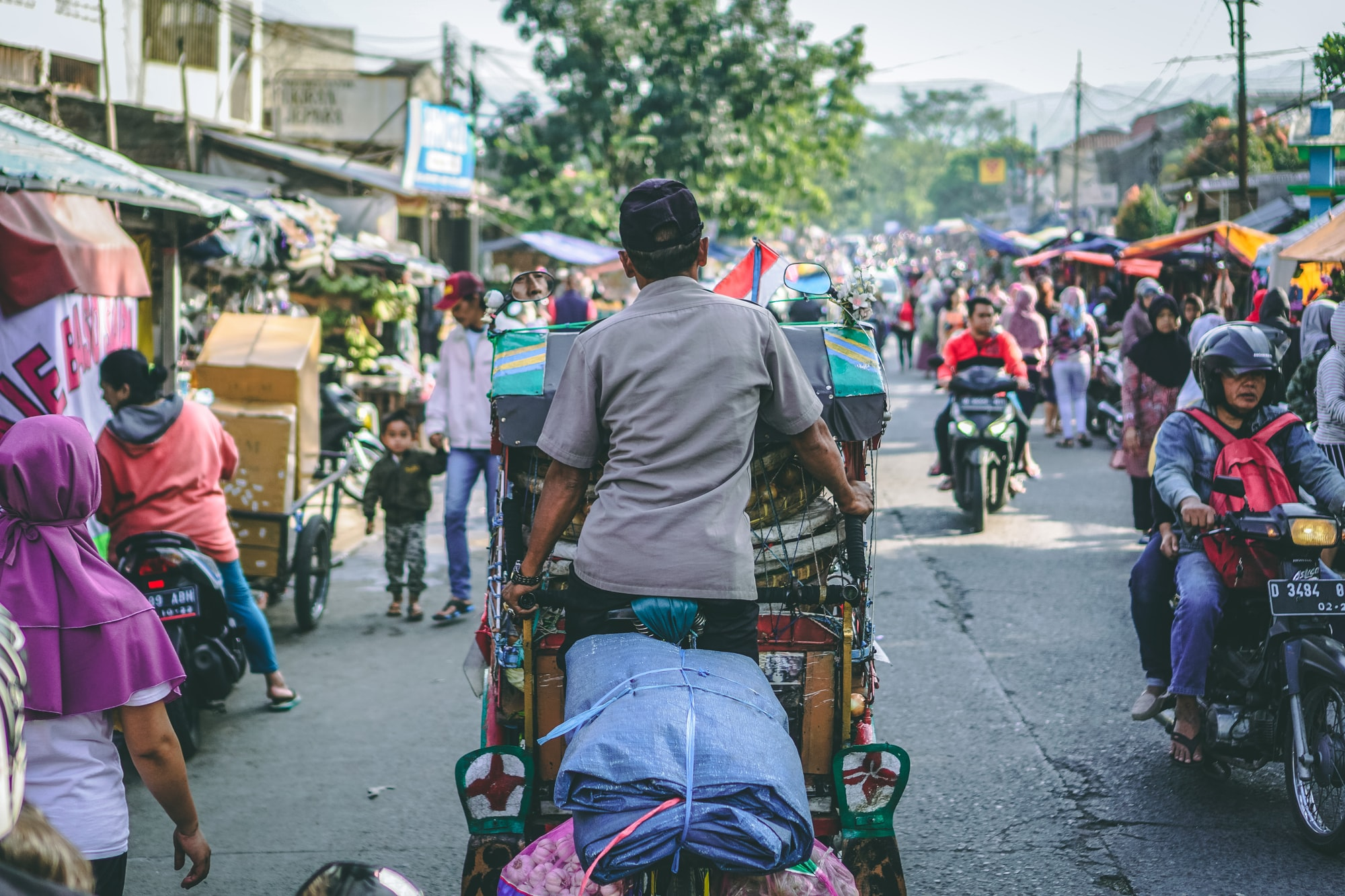 Becak; Indonesia's traditional rickshaw cycle