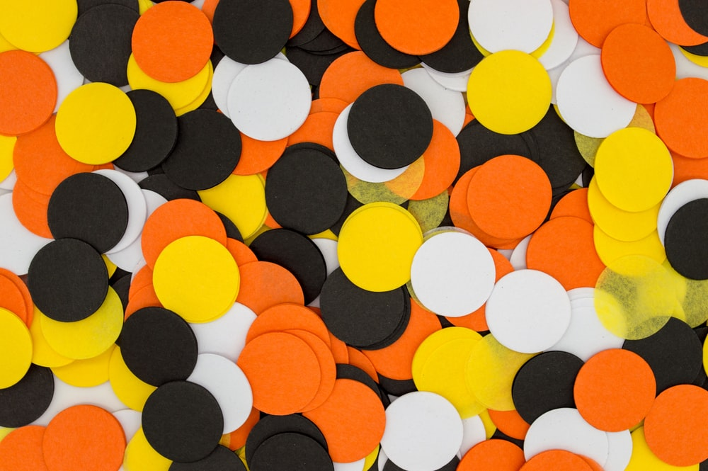 round assorted-color card lot