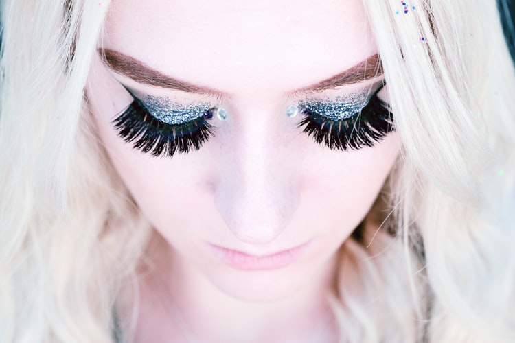 how to remove eyelash extention