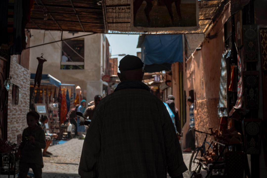 It can be hard to come forward in Marrakesh, because there are so many people + tourists + scooters + cars + donkeys + cats squeezed in small alleys. But this guy navigated the streets fluently, he moved in the rhythm of the city. Marrakesh – Morocco