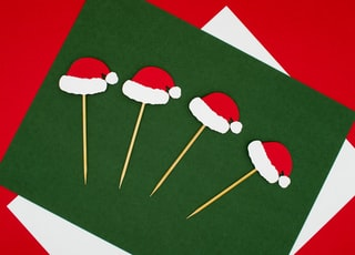 green and red Christmas hat card