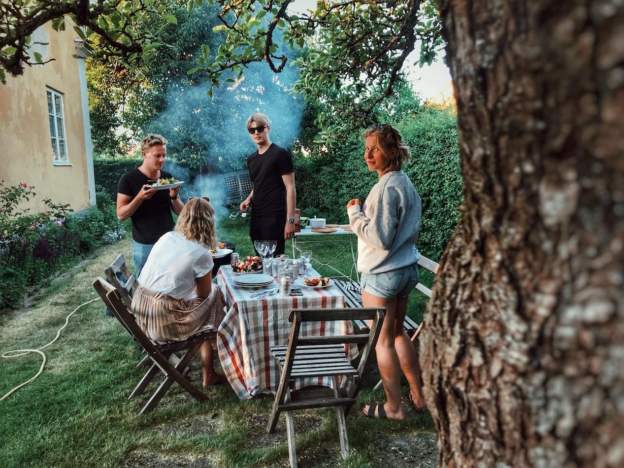 bbq backyard grilling