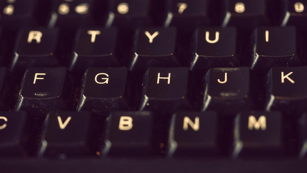 close-up photography of keyboard