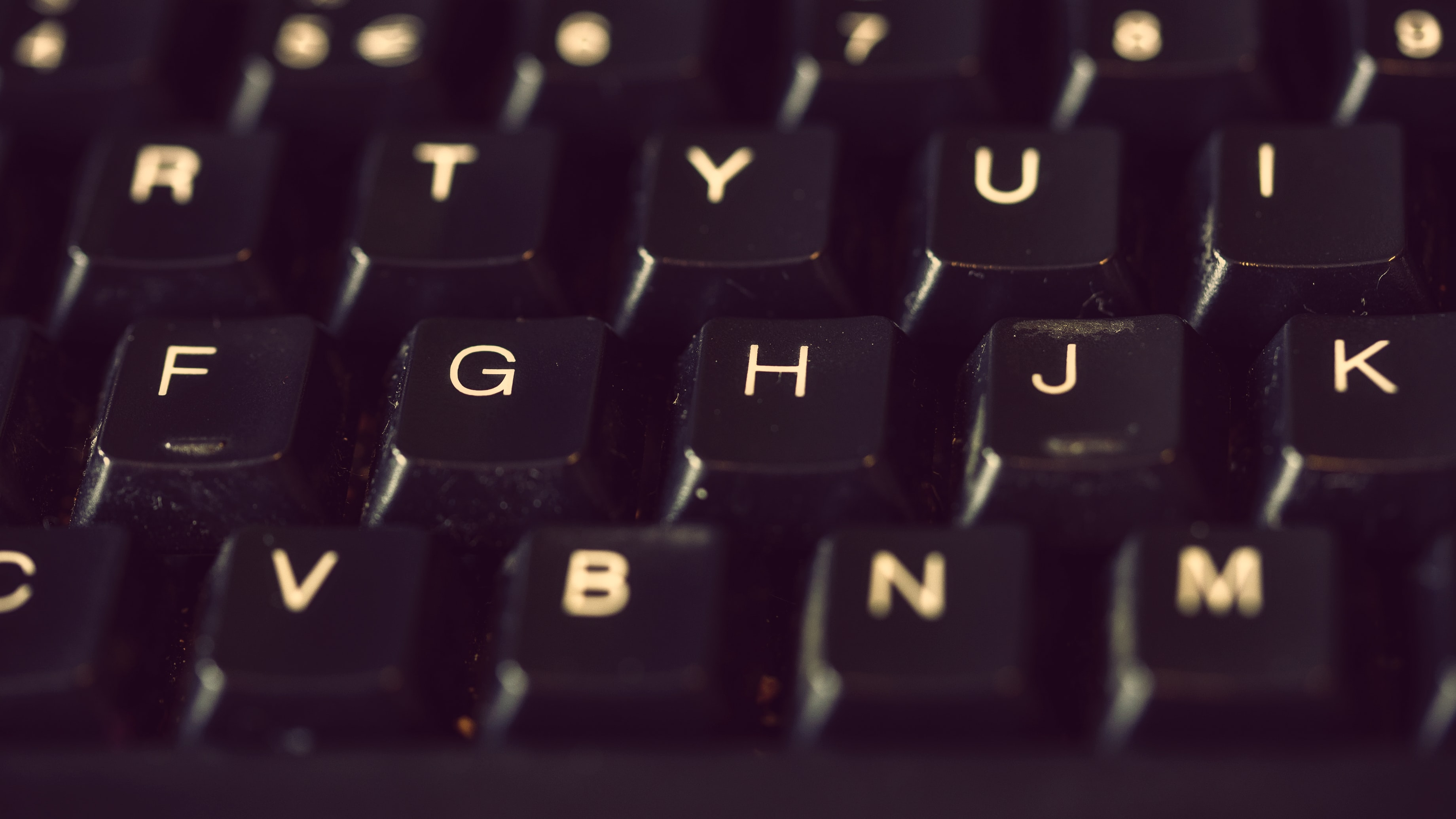 close-up photography of keyboard