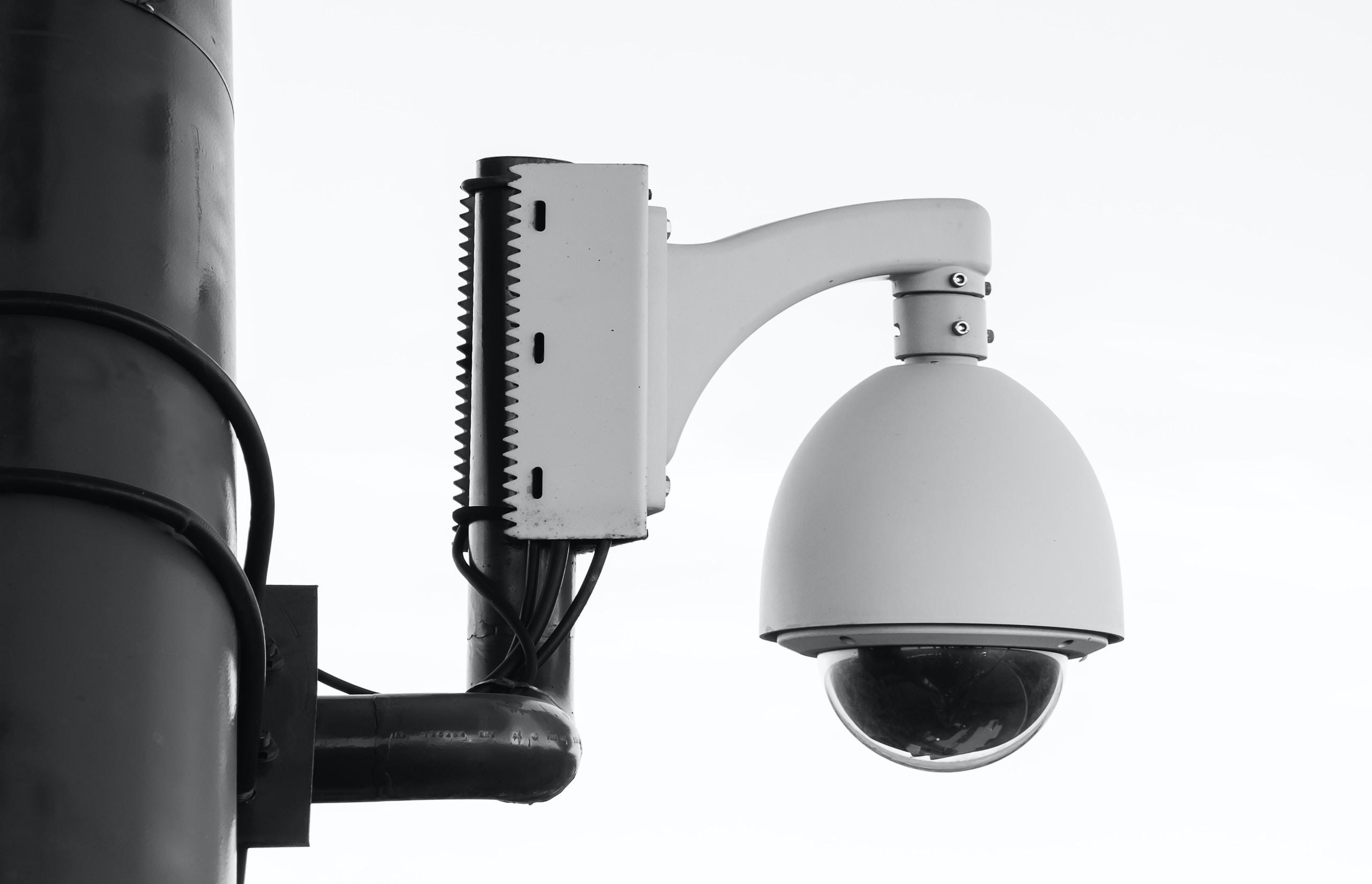 Hackers acceden a cámaras de seguridad de Tesla y otros lugares