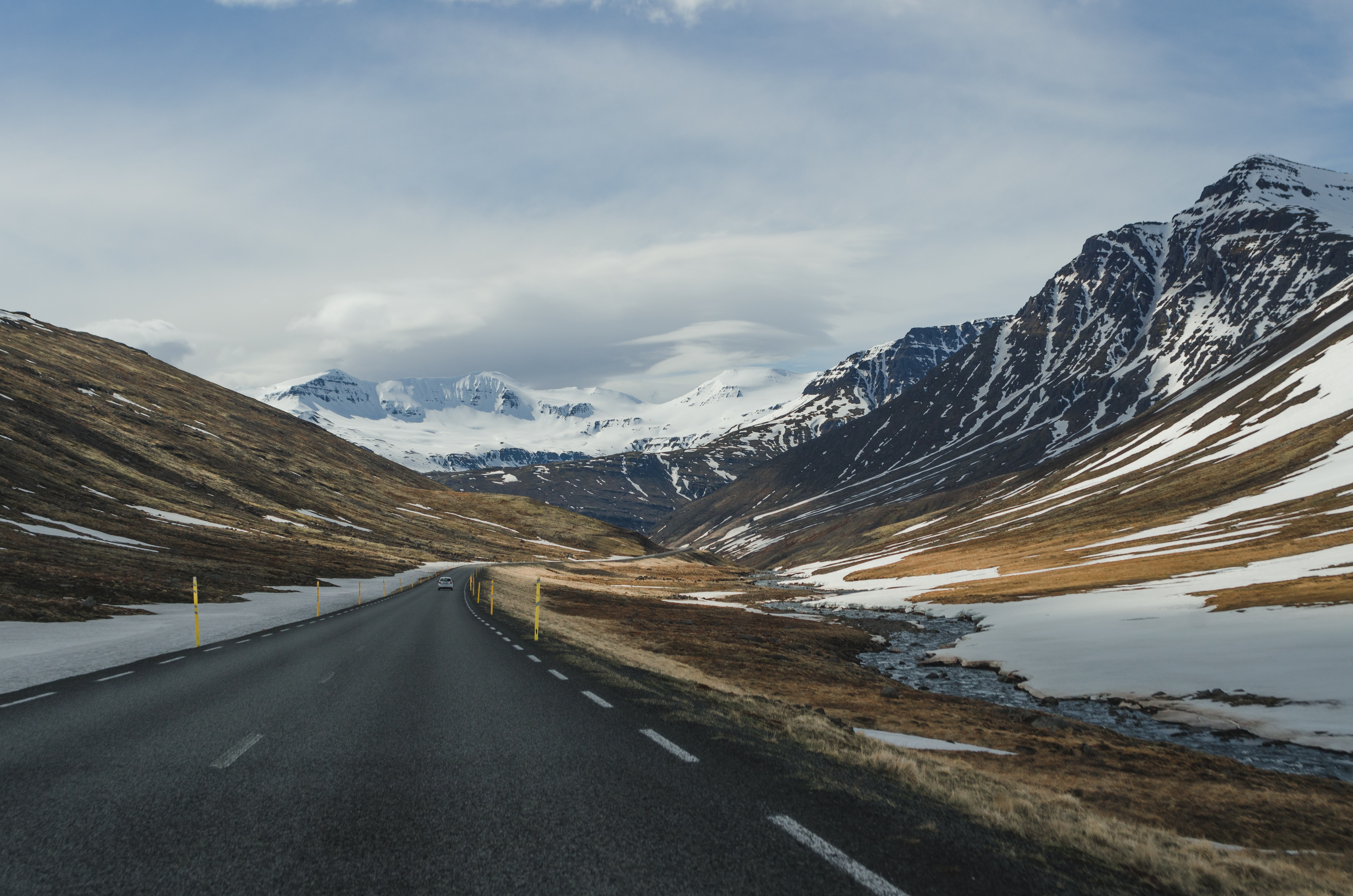 road surrounded of mountain