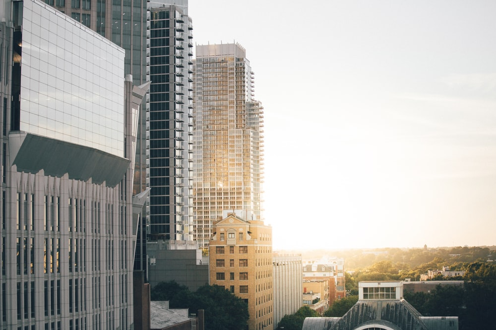 cityscape photography of buildings