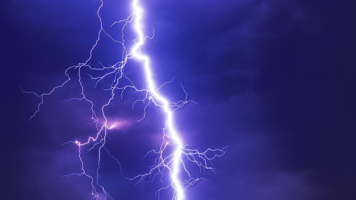 caída de un rayo, lightning graphic wallpaper