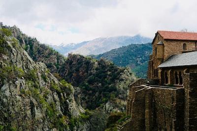 building near mountain