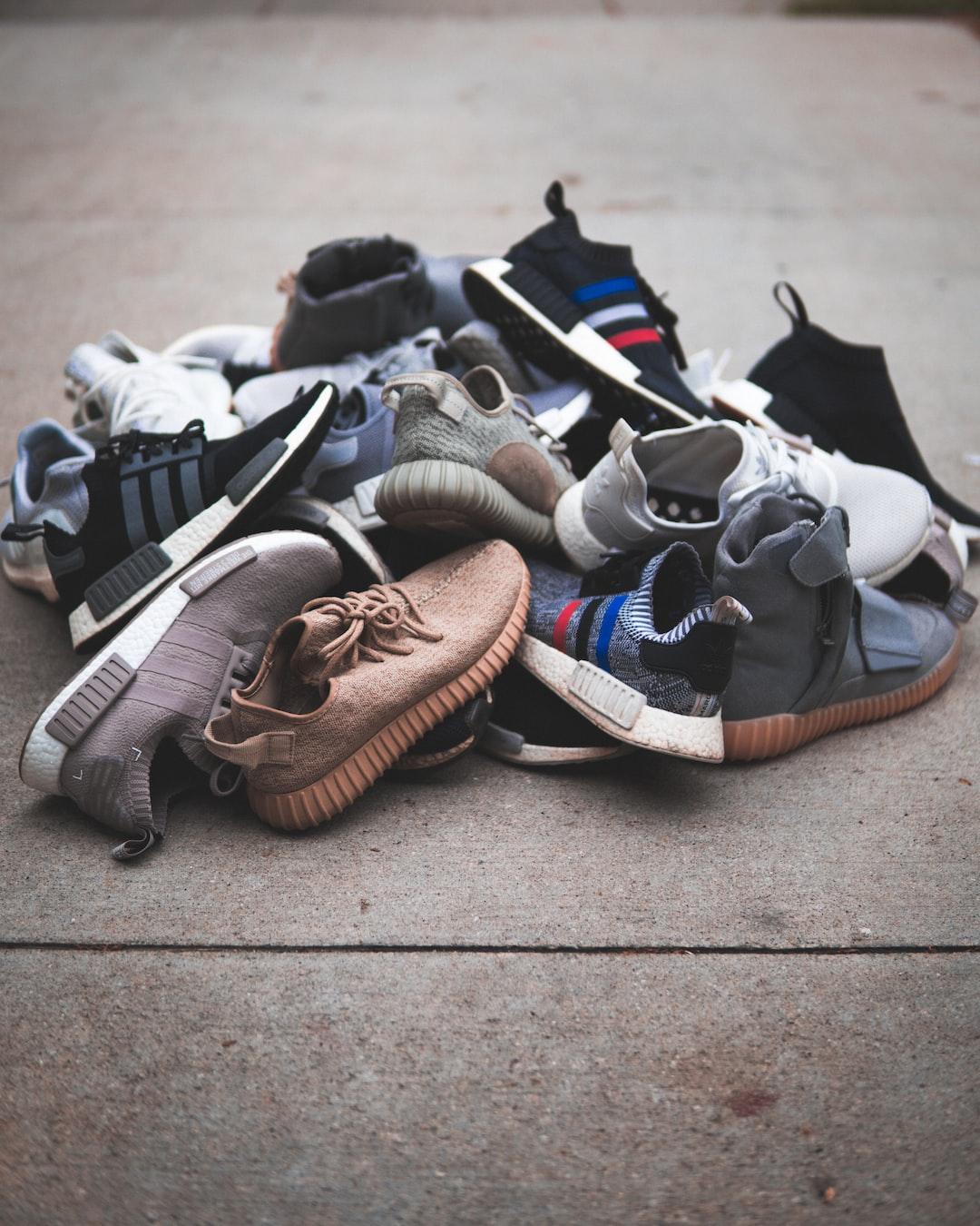 Sneaker Wallpaper: Download Free Images On Unsplash