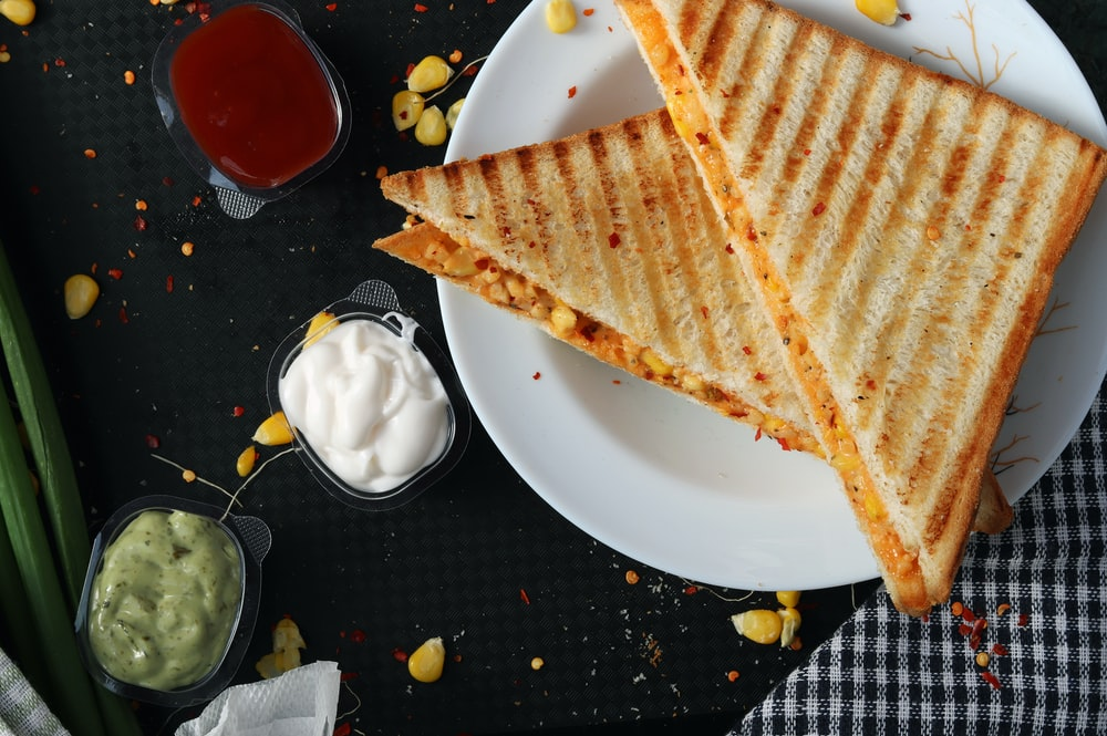 toasted bread with tartar sauce