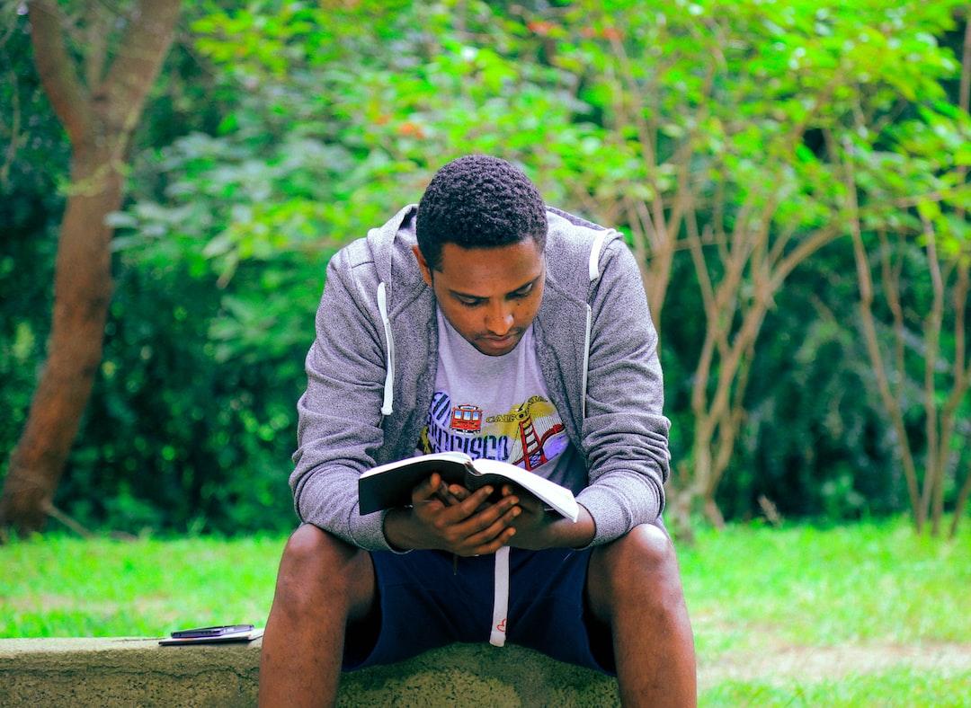 Terbiasa Terus Menerus Membaca Buku dengan 4 Cara Ampuh Ini