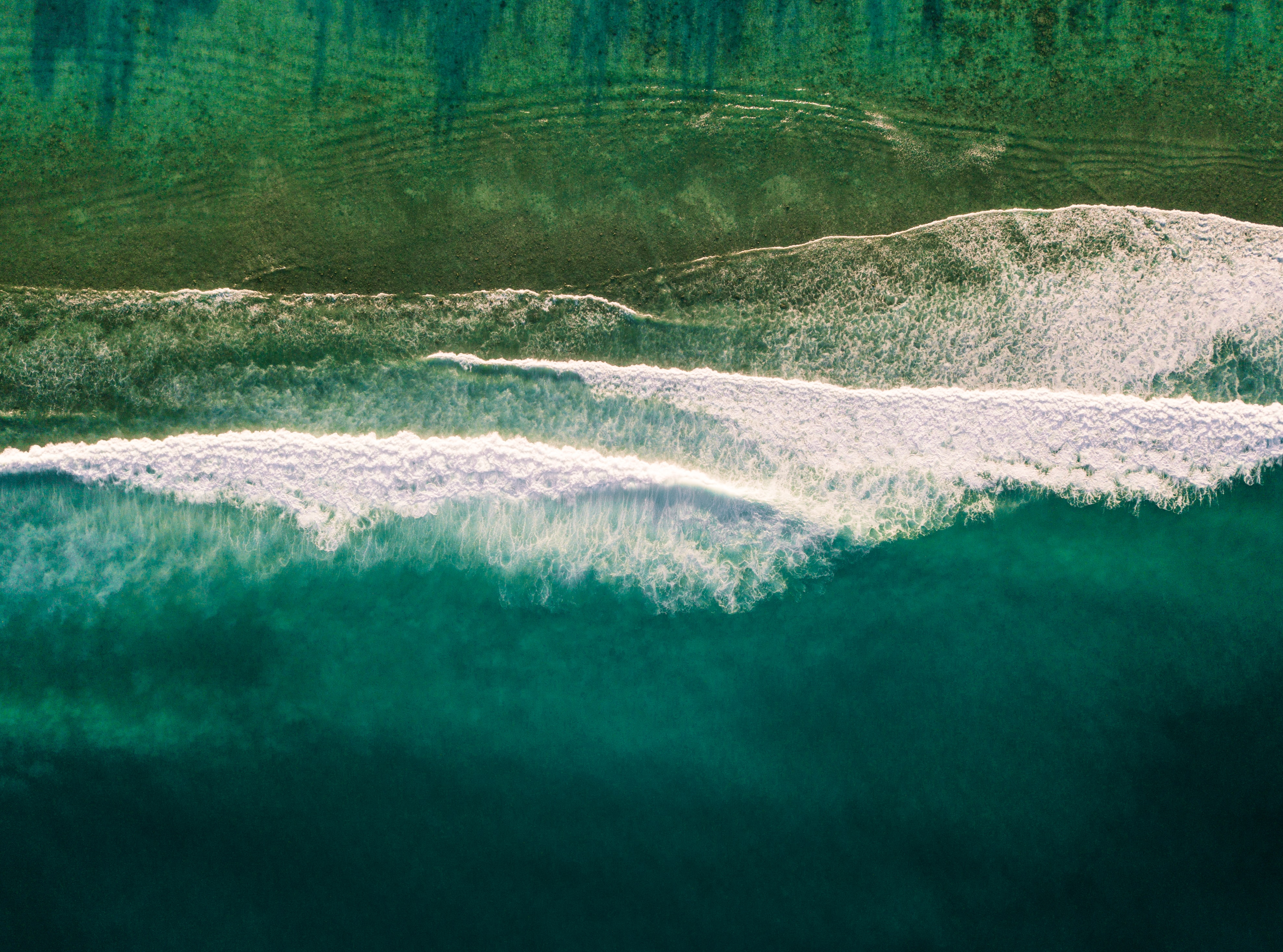 bird's eye view of water wave