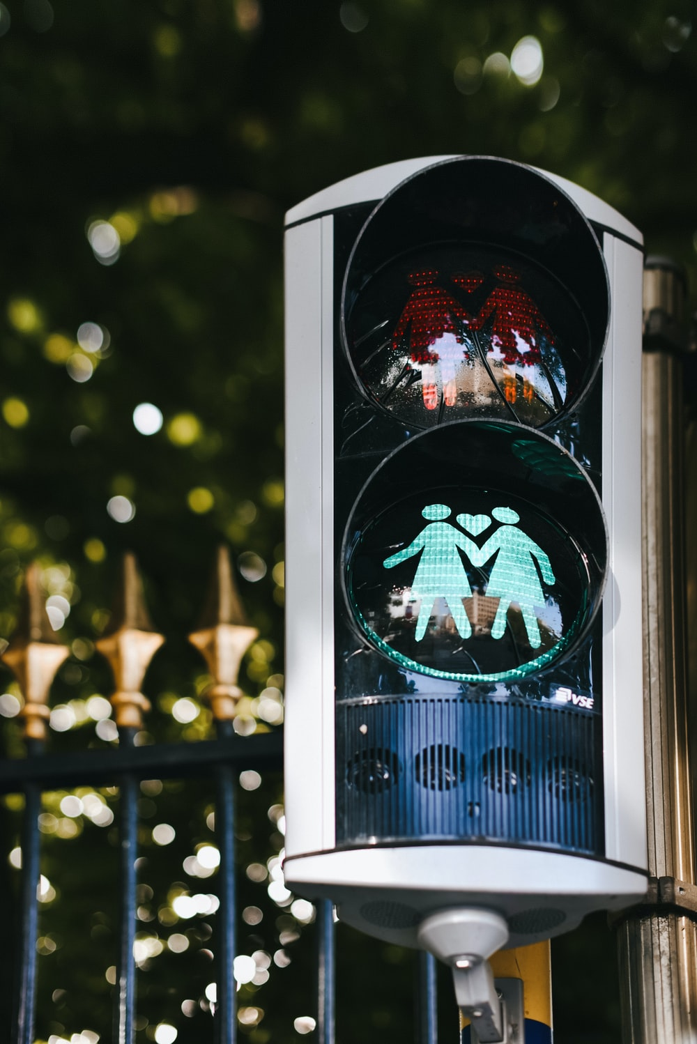 gray traffic light showing green light