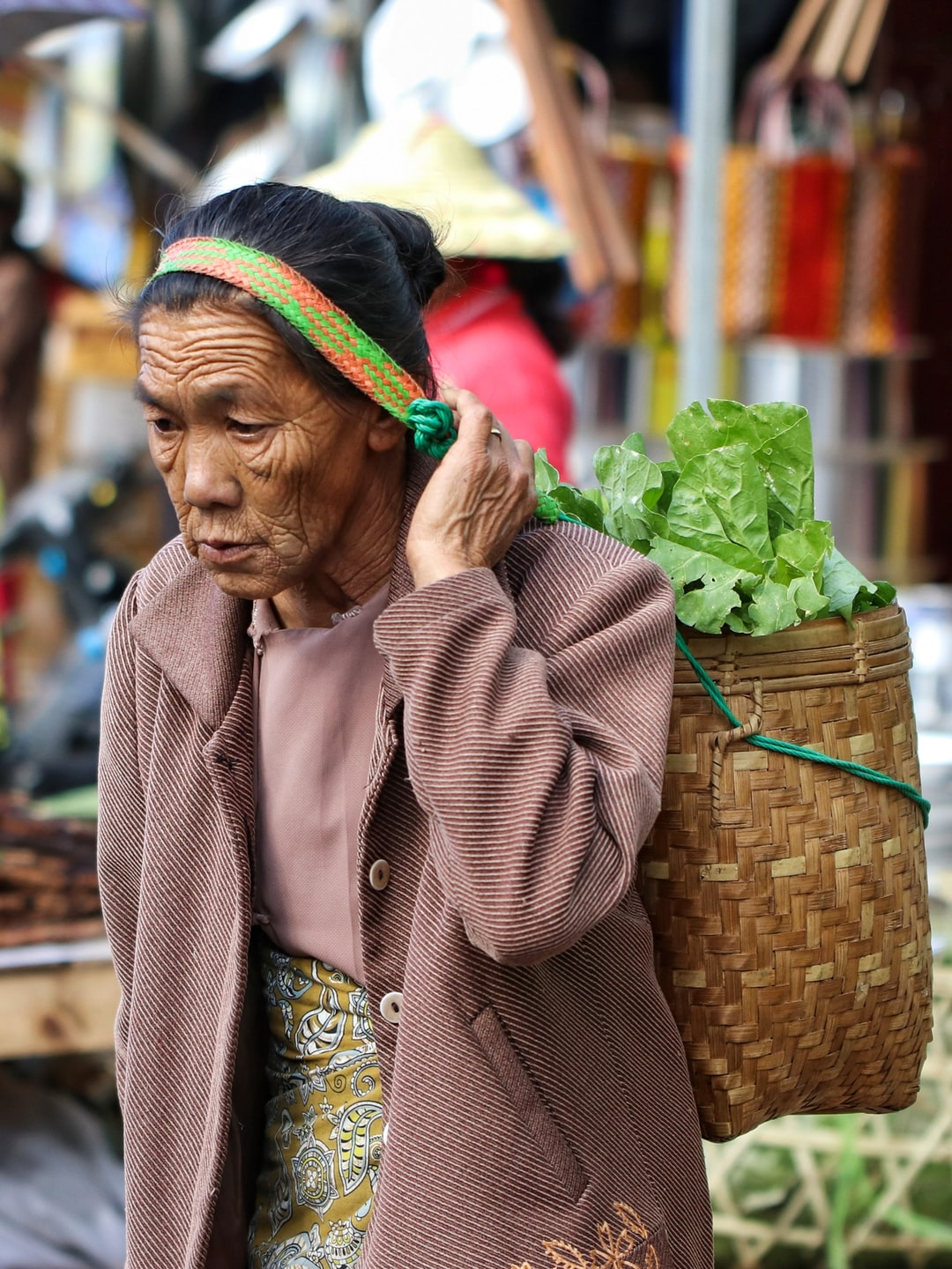 I saw to her shan state in market.