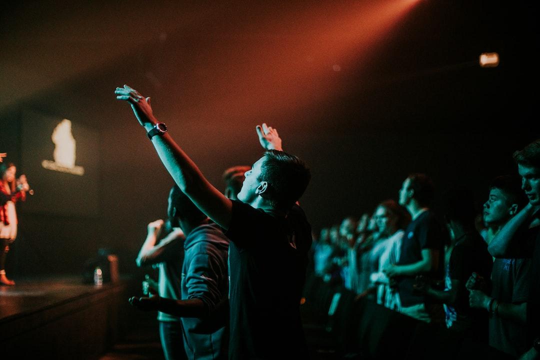 guy student worshipping