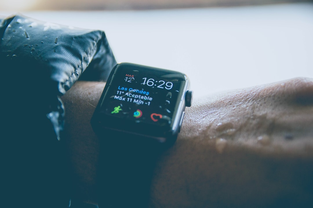 We love Apple products and we decided to do a little honor to our watch, the best is the rainy day, it was amazing to take some pictures!