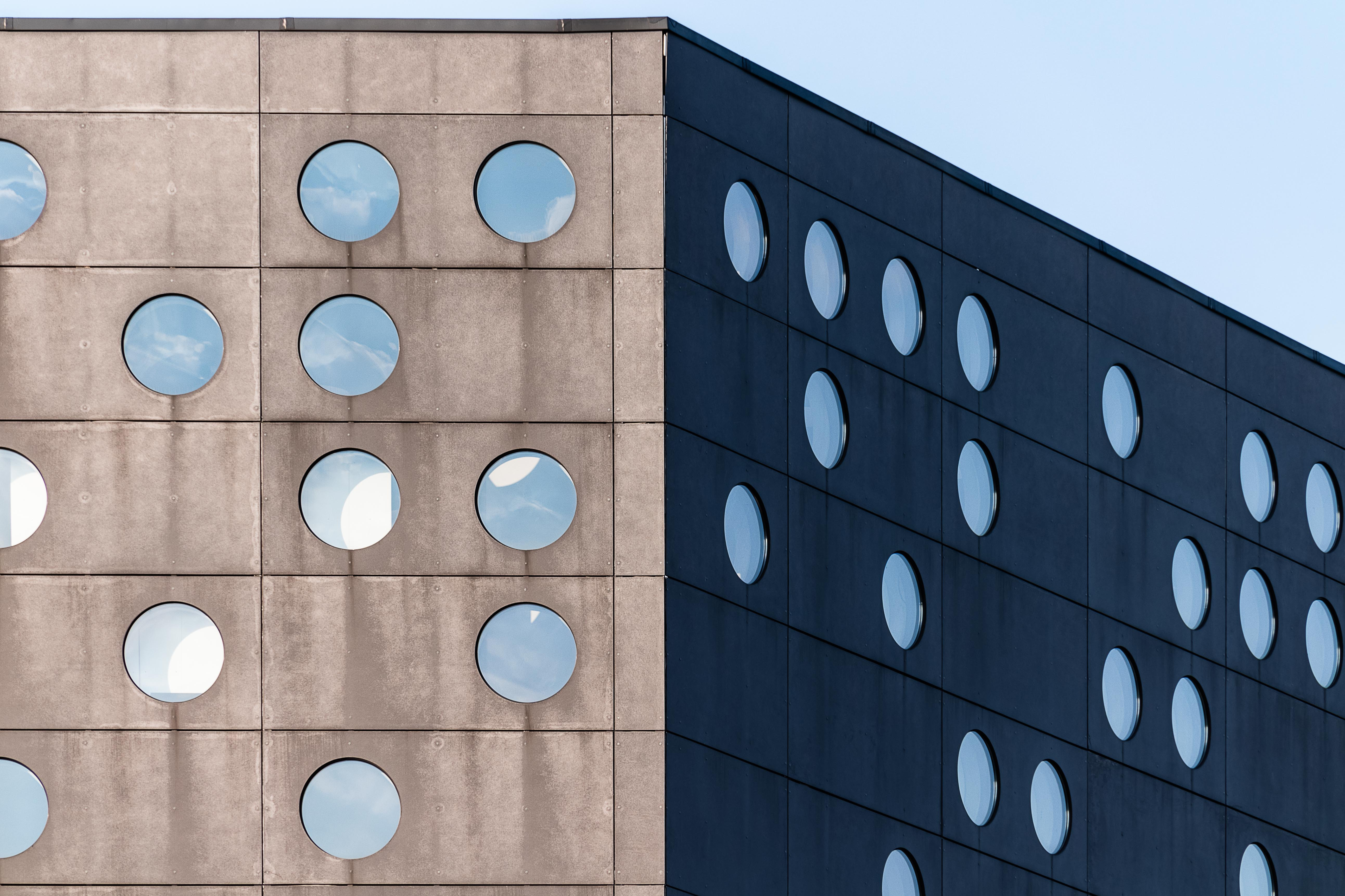 black and brown concrete building