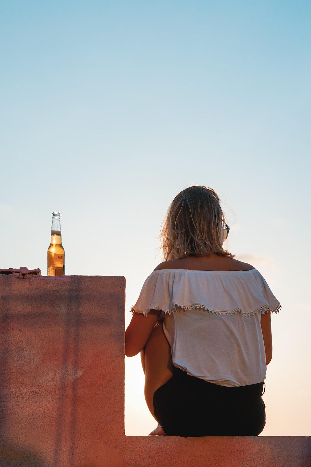 L'alcoolorexie, le trouble du comportement alimentaire qui met en danger les jeunes femmes