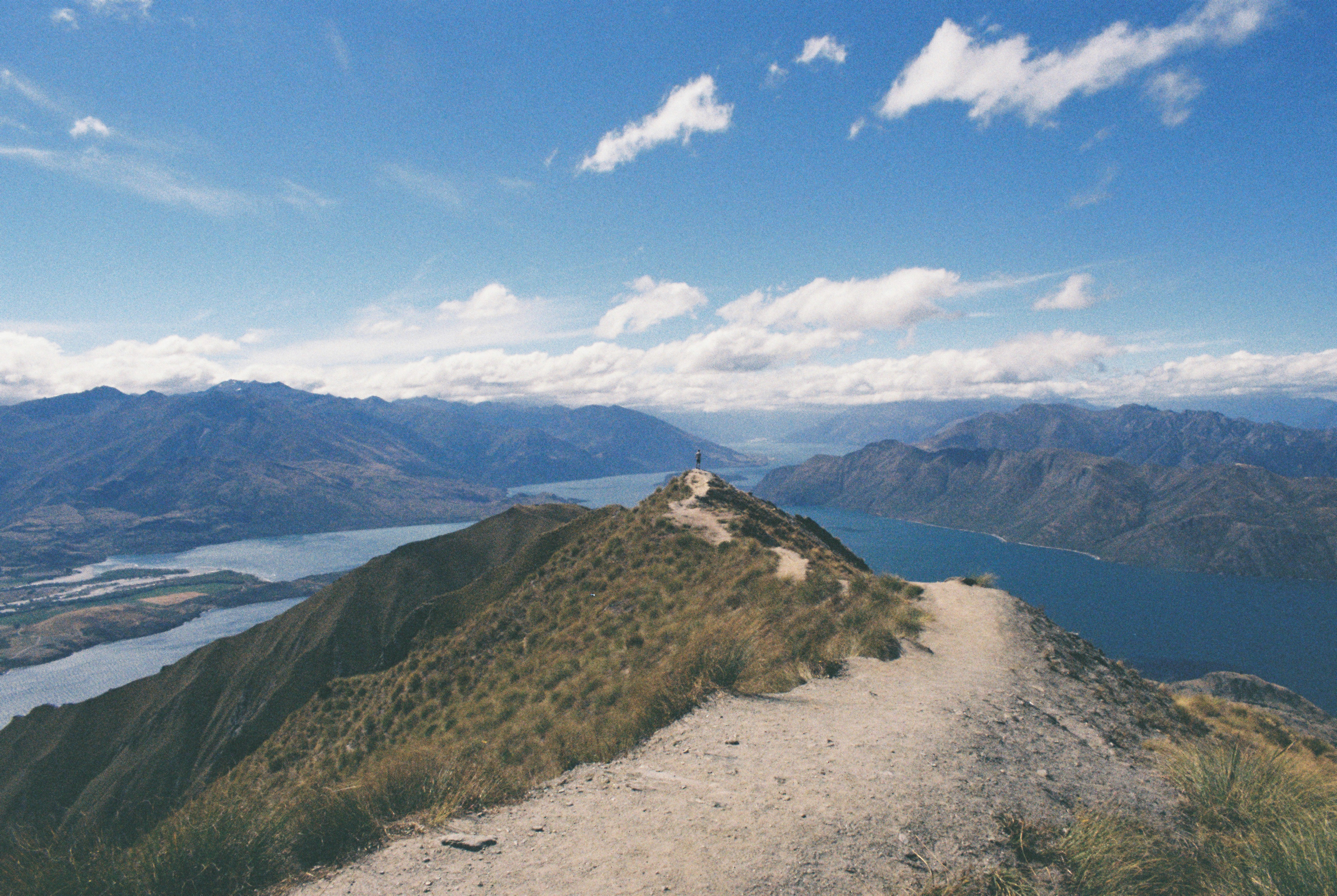3.5 hours to the top of Roys Peak in Wanaka, New Zealand // Shot on Lomography 100 Color Negative Film