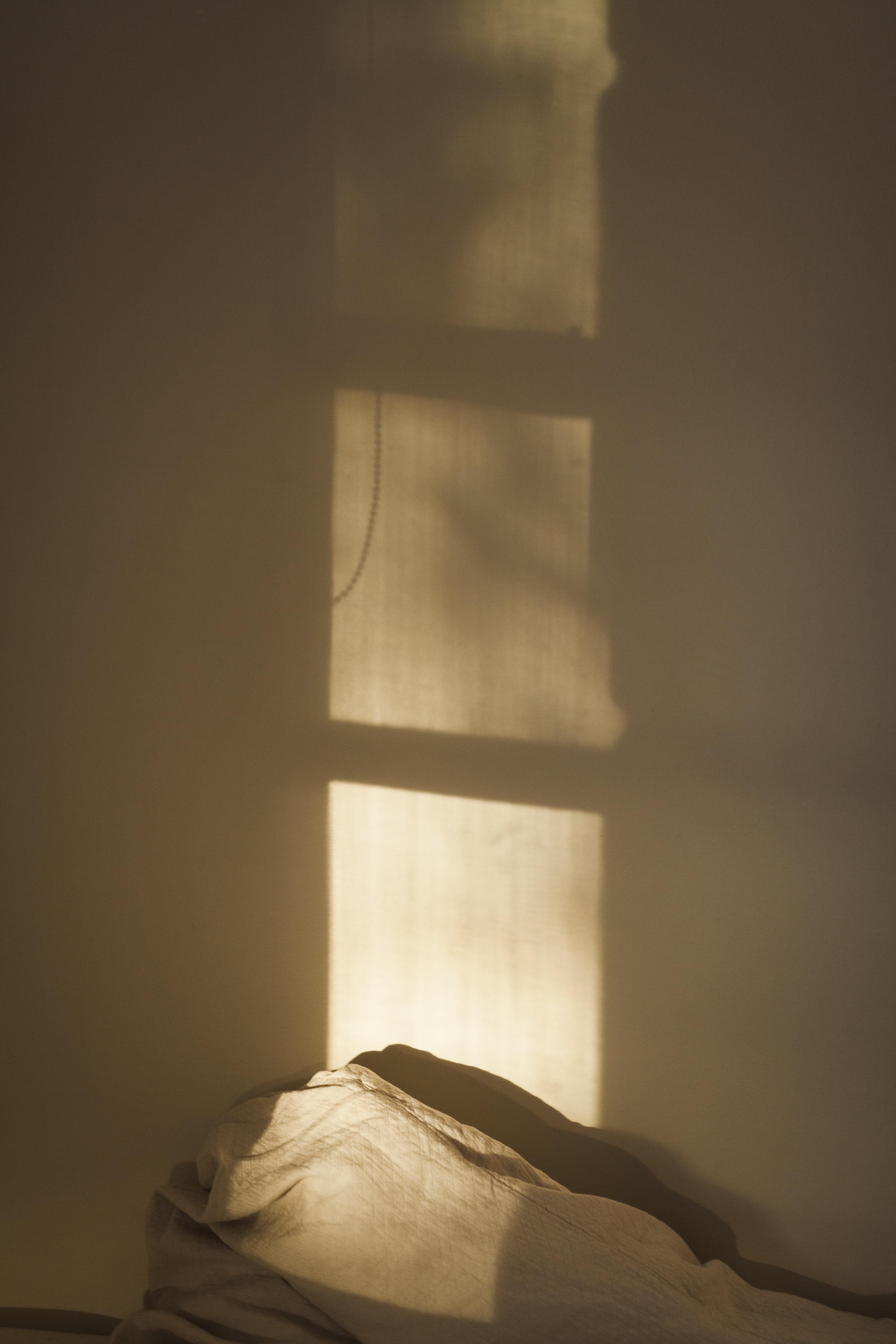 window shadow on wall