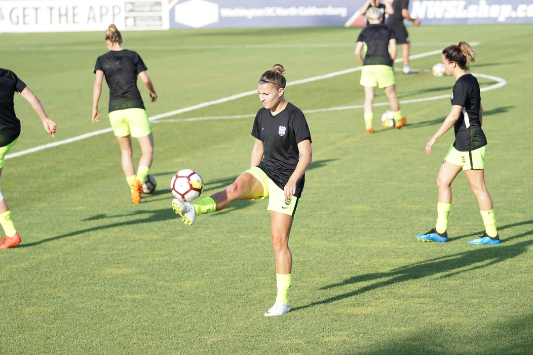 She plays for the Reign in the NWSL.  She is a member of the Australian National Team.  The Matildas have already qualified for the World Cup in 2019.