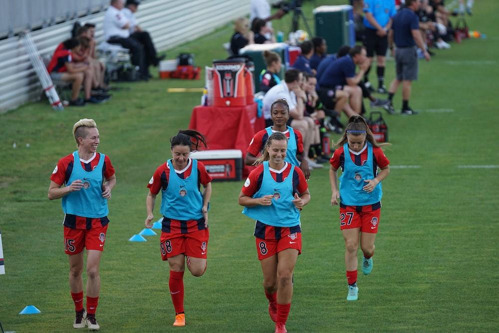 five women running