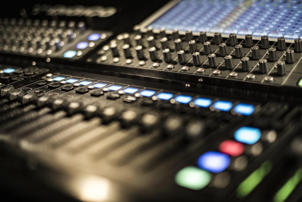 black stereo mixer