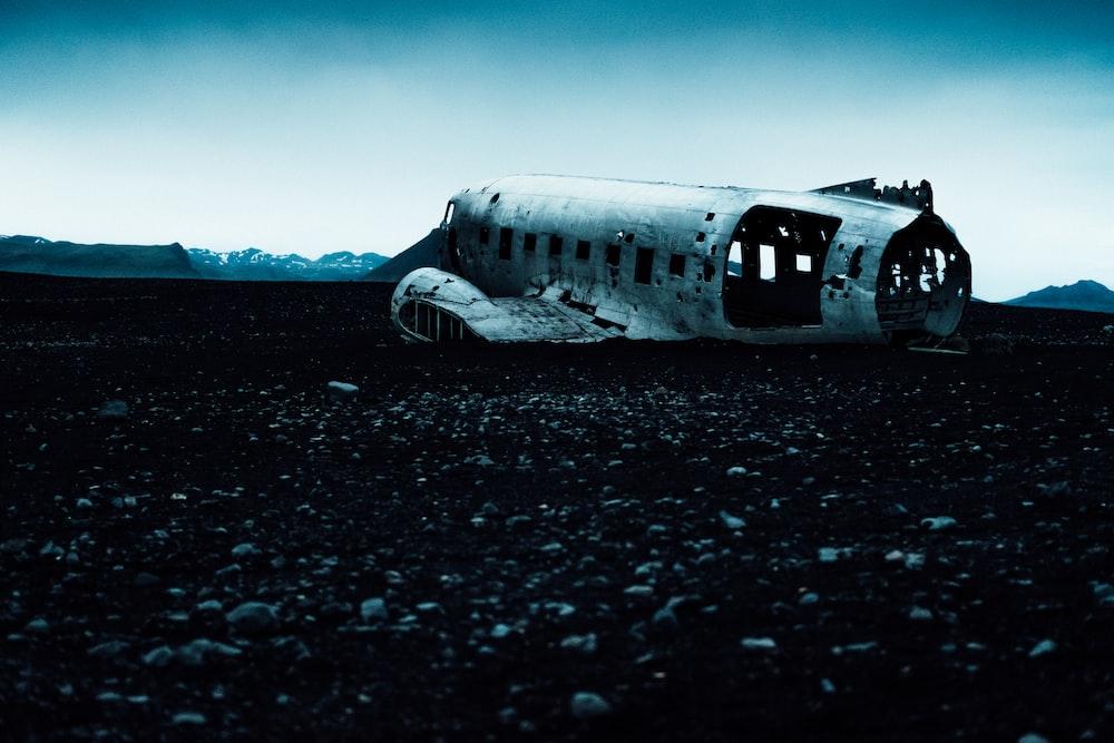 crashed white aircraft