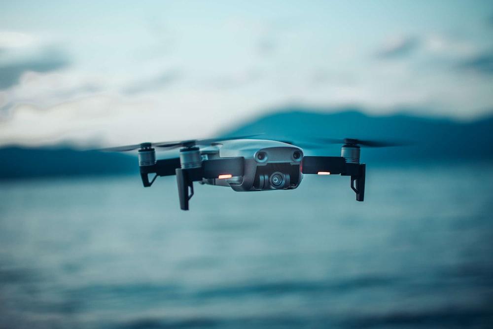 gray DJI Mavic drone in selective focus photography