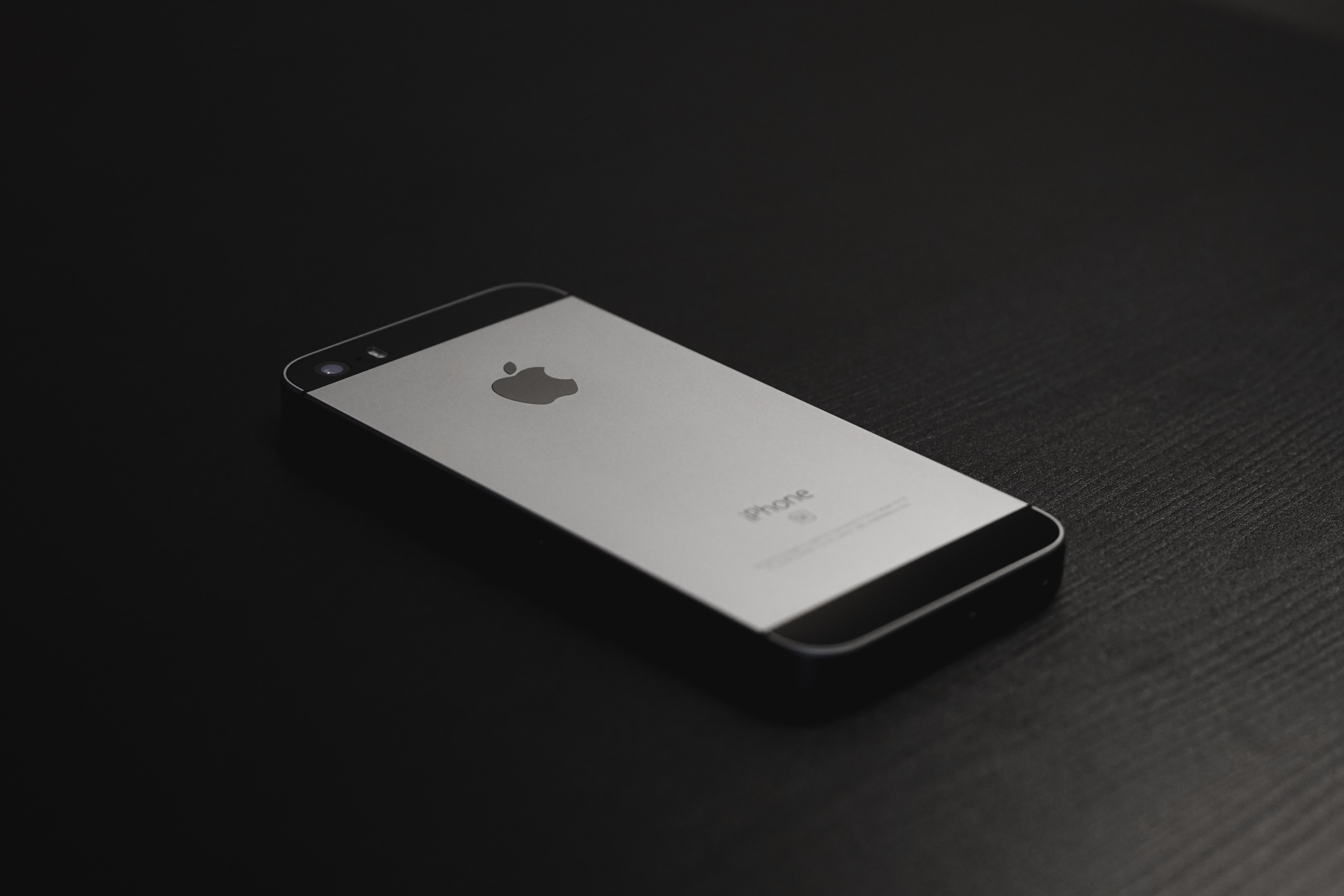 space gray iPhone 5s
